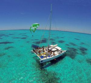 visite isla mujeres en catamaran